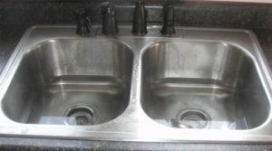 Отпушване на канала в кухнята